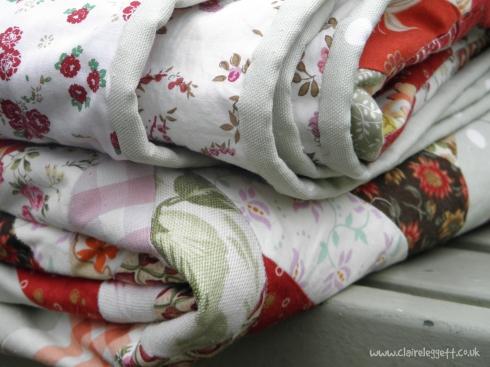 folded_quilts_closeup_72dpi