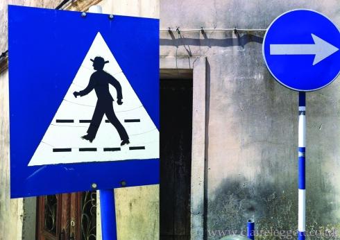 claire_leggett_portugal_signs_2014_1