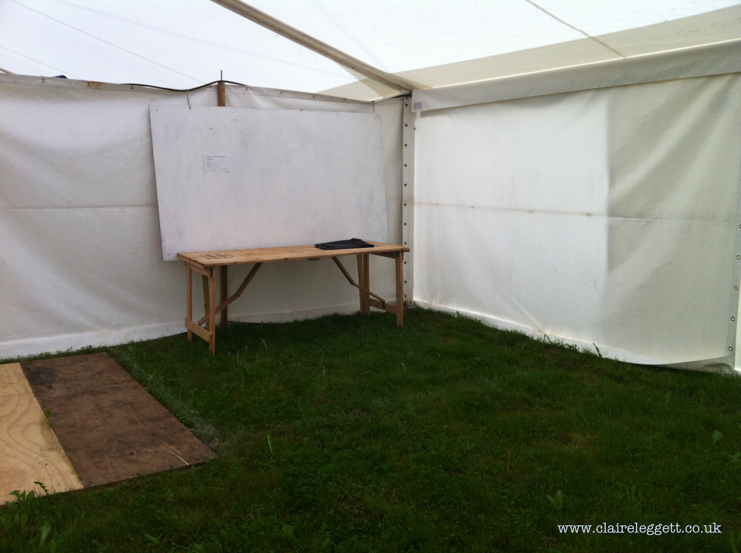 claire_leggett_patchings_2014_setup1