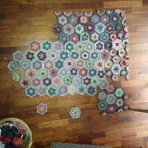 african-hexagon-blanket-claire-leggett-3